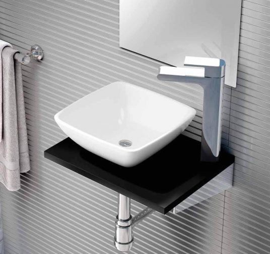 lavabo pequeño baño Ubrique
