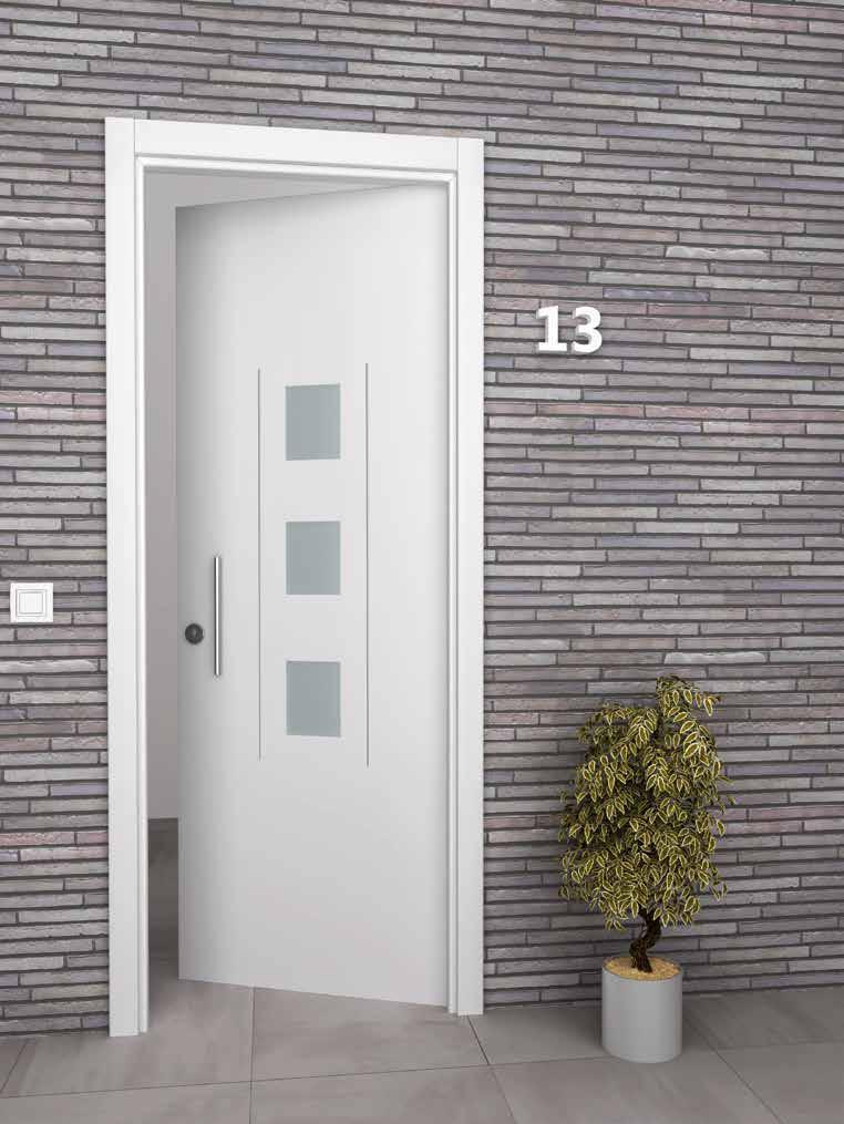 Puerta blanca exterior